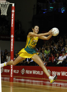 17.11.2007 Australia's Liz Ellis in action during the Silver Ferns v Australia match at the New World Netball World Champs held at Trusts Stadium Auckland New Zealand. Mandatory Photo Credit ©MBPHOTO/Brendon O'Hagan.